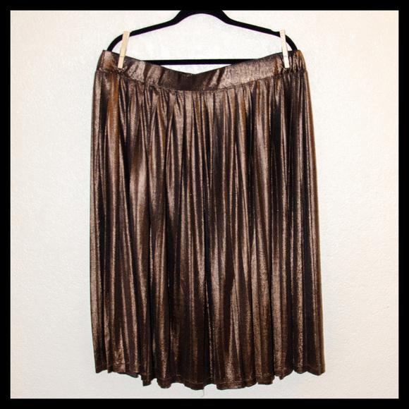 afffdf9a850 Eloquii Dresses   Skirts - Eloquii Pleated Dark Gold Metallic Skirt 22W